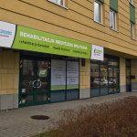 Banner prrzy wejściiu do centrum rehabilitacji